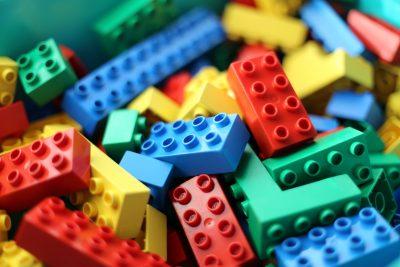 Module giống như là những mảnh ghép của bộ lắp ráp Lego