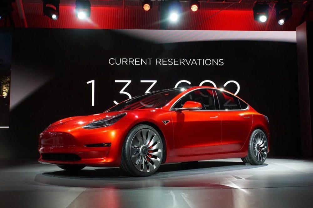 Xe điện tesla là gì? Vì sao xe điện Tesla thành công?