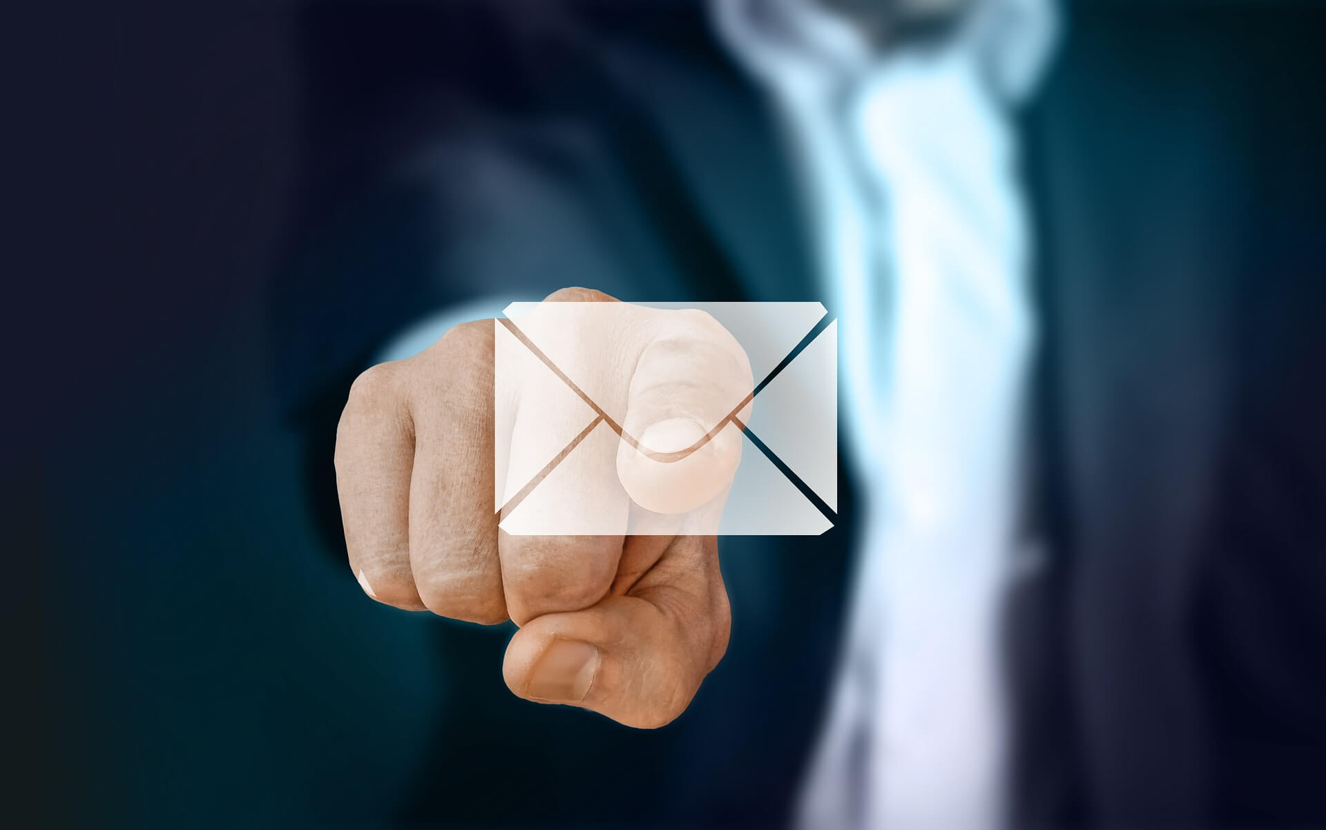 Dùng Email Marketing